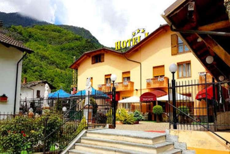 Esterno Hotel Lion