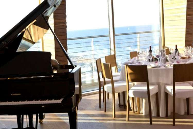 sala da pranzo hotel vista mare
