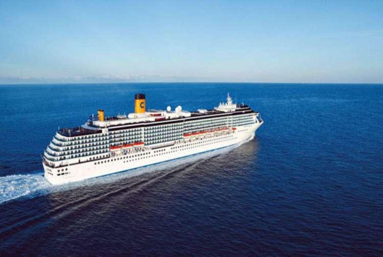 La nave Costa Mediterranea