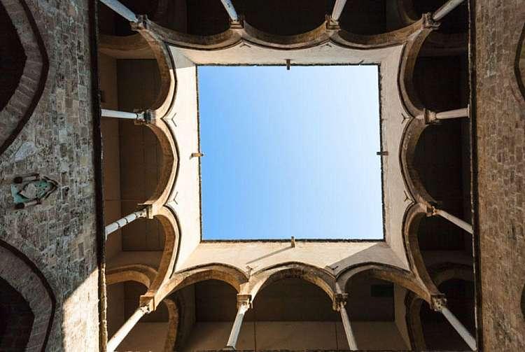 Interno Palazzo Chiaramonte