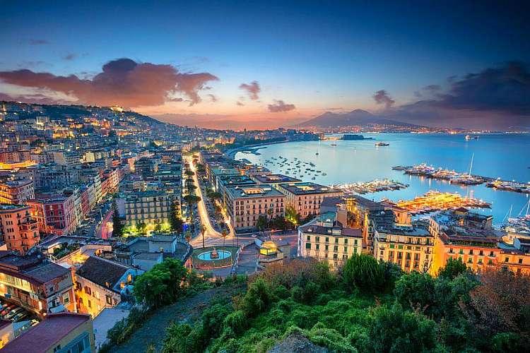 Offerte San Valentino Napoli: la città partenopea ti aspetta da soli 42 euro