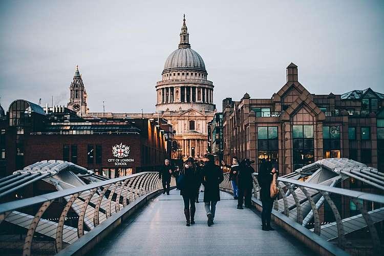 Londra: Millenium Bridge