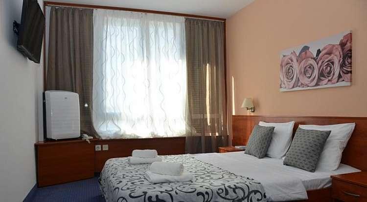 NOVALJA (CROAZIA) AGOSTO in bus gt+7 notti mezza pensione in hotel***
