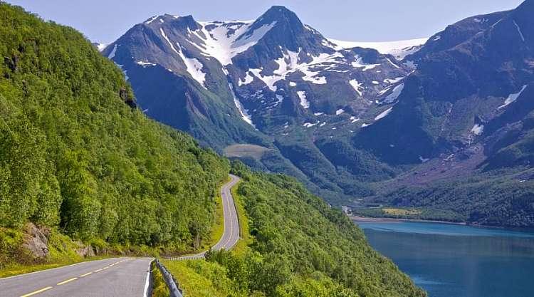 viaggiando lungo i fiordi