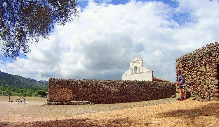 Tour E-Bike da sogno in Sardegna: 8 giorni (7 notti) da 910 euro