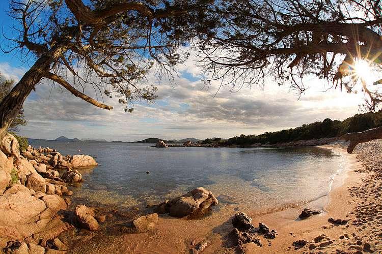 Sardegna in moto: 8 giorni (6 notti) tra borghi e spiagge da €1500