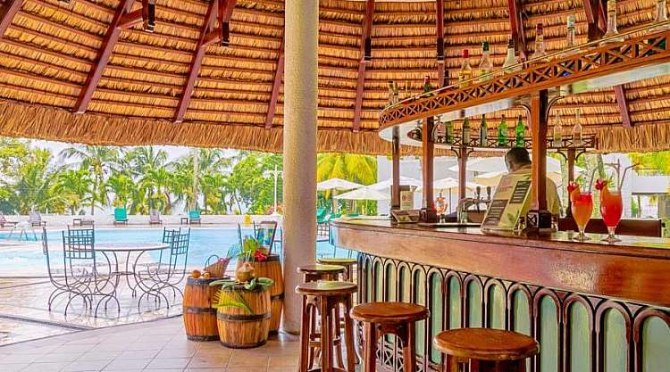 Bar Resort