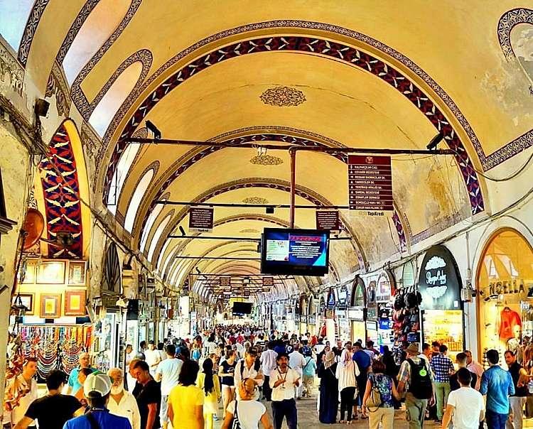 Tour di Istanbul e della Cappadocia, dal Bosforo ai camini di fata
