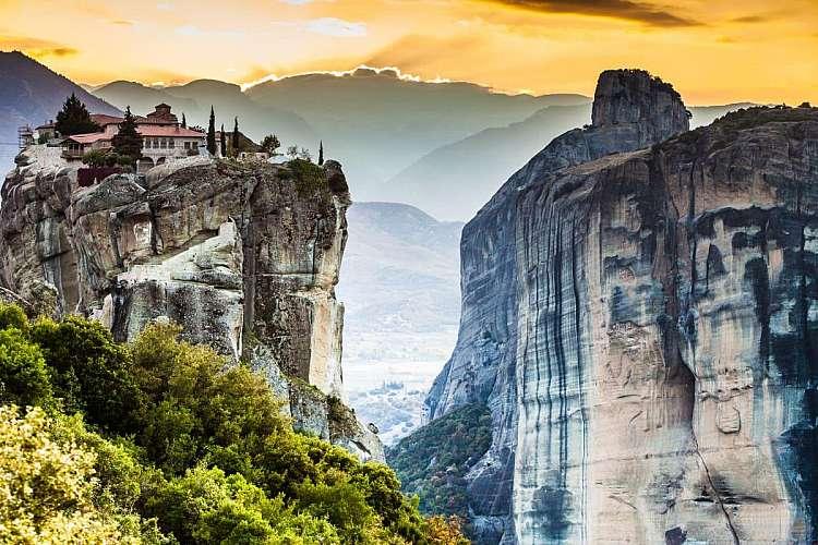 Tour di Delfi, Meteora e Atene: i luoghi simbolo della Grecia classica