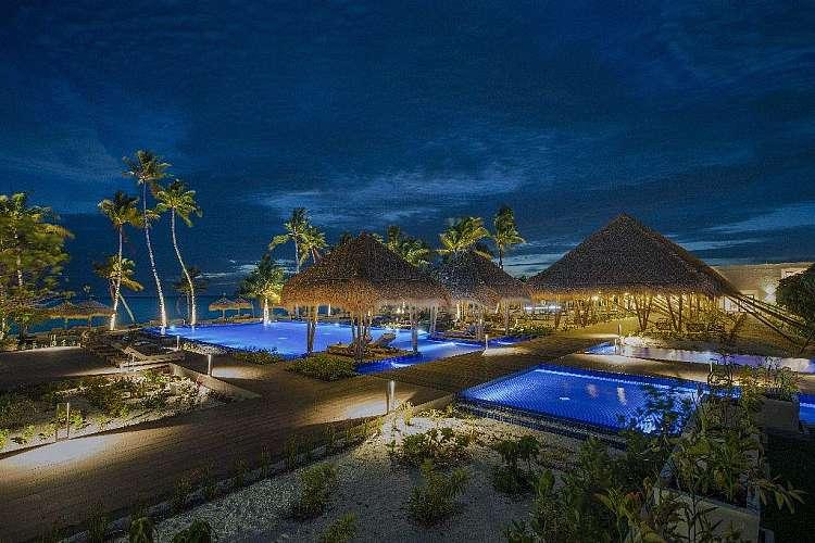 Estate di lusso alle Maldive presso l'Emerald Maldives Resort e Spa