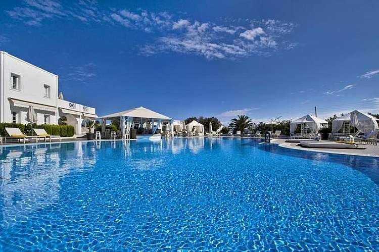 Grecia Santorini Estate 2020 da soli 719 € in Mezza Pensione