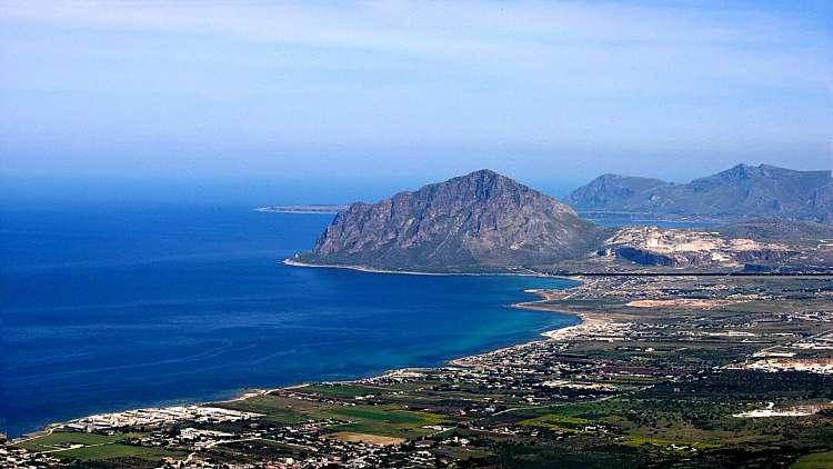 Speciale mare Sicilia: il borgo di Erice con tour in barca da Trapani!