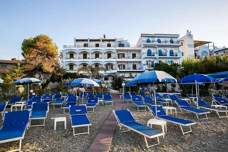 Hotel NK ****  soggiorno mare  Giardini Naxos  Sicilia Estate 2020