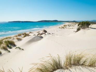 Luglio sulle coste meridionali della Sardegna