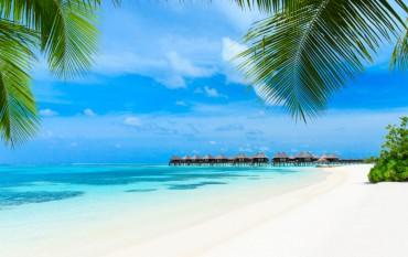 Capodanno alle Maldive, 10 giorni, volo e hotel a 2350 euro mezza pensione