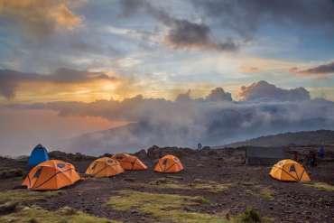 Una settimana in Africa alla scoperta del Kilimangiaro a 3.390 euro pensione completa