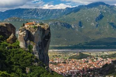 Viaggio in moto alla scoperta della Grecia Classica e delle Meteore da 1.250 eur... solo colazione