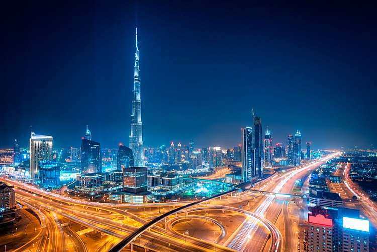 Vola a Dubai da 557 euro