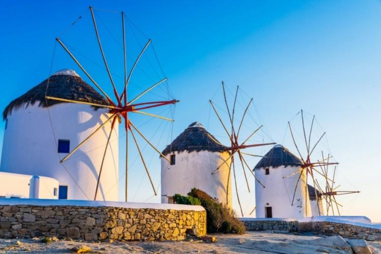 Vola a Mykonos a soli 599€