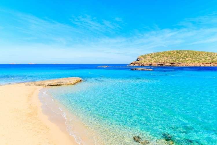a Ibiza con volo incluso da 197€