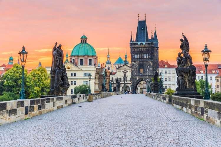 a Praga con risparmio fino al 34%