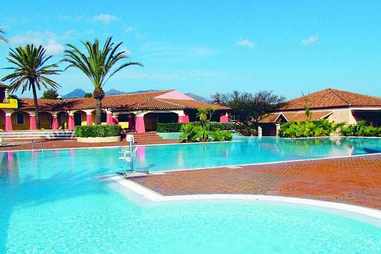 Vacanza in Sardegna nel Th Liscia Eldi Resort a San Teodoro da 579 euro