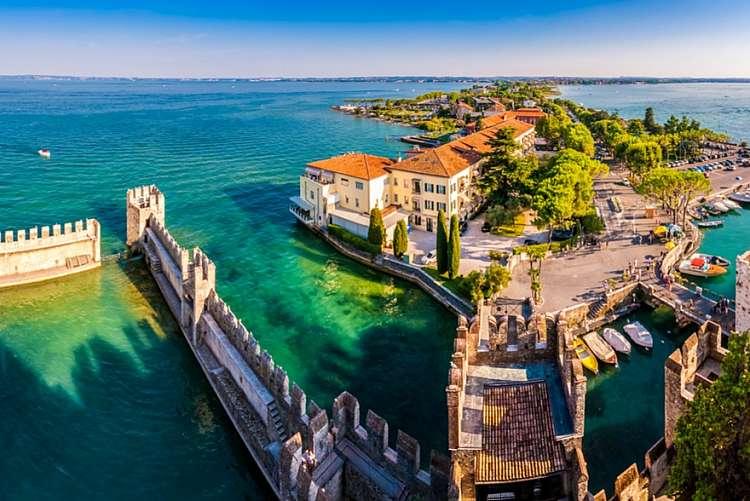 Vacanza romantica sul Lago di Garda in Hotel 4* con sconto ...