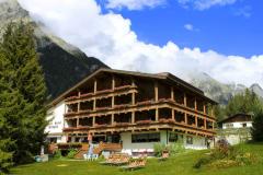 Soggiorno nell'Hotel Sporthotel Wildgall in Trentino da 169 euro