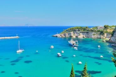 Vola in Grecia con sconto fino al 50% solo colazione