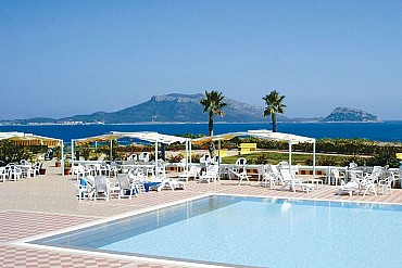Baia Aranzos Club Hotel in Sardegna da 739 euro pensione completa