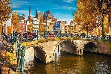 Voli a/r a Novembre per Amsterdam da 146 euro