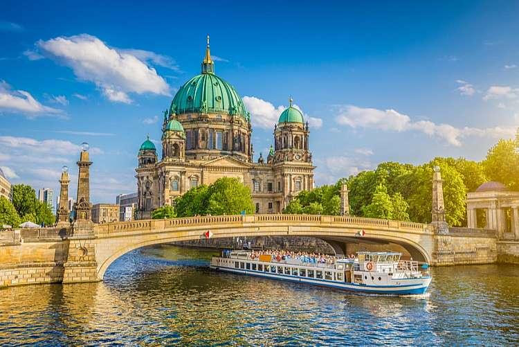 Voli a/r a Dicembre per Berlino da 42 euro