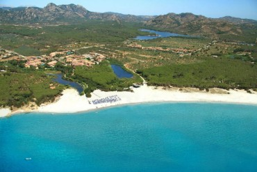 Hotel Club Cala Ginepro: scegli la Sardegna e il Golfo di Orosei per un'estate 2... mezza pensione