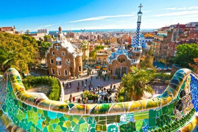 Weekend a Barcellona: offerta 2 notti + voli per 2 persone da 450 euro