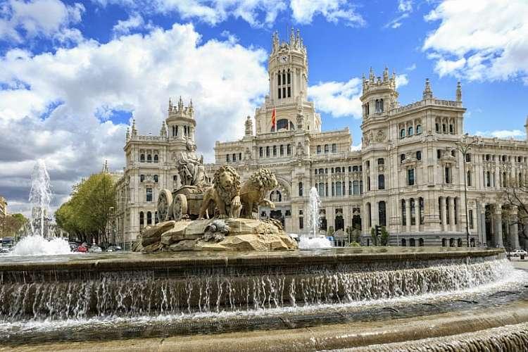 Weekend a Madrid: voli A/R + 2 notti in hotel per 2 persone da 389 euro