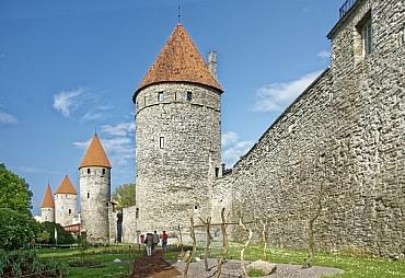 Attrazioni Baltiche: un tour per visitare Vilnius, Riga e Tallinn da € 685 solo colazione