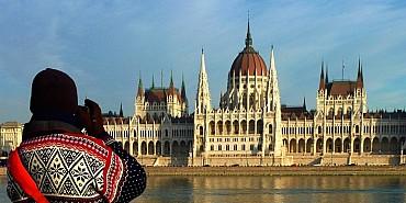 A Budapest con Valentina: a spasso per la città e relax alle terme solo colazione