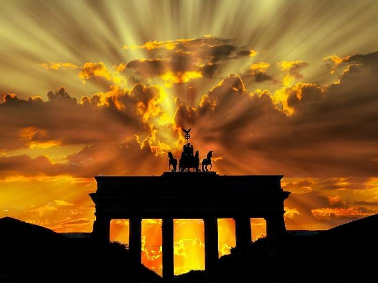 Un giro a piedi per Berlino e viste dall'alto della complicata città