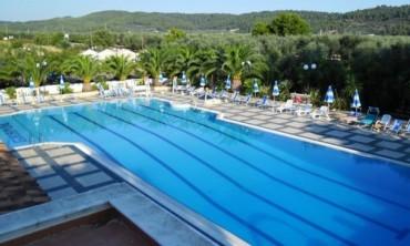 Mare e relax a Vieste nel Villaggio Club Piano Grande da 275 euro pensione completa