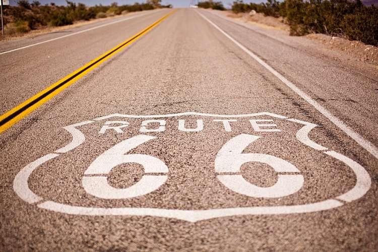 Stati Uniti on the road. La leggendaria Route 66, simbolo americano.