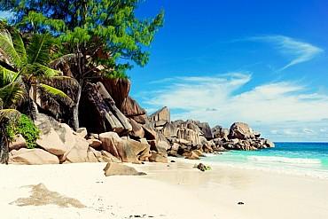 Seychelles in libertà: Mahé e Praslin 7 notti+ volo a 1399 € mezza pensione