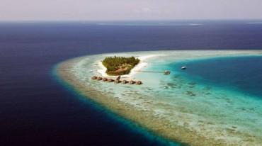 Parti per le Maldive: al Seaclub Maayafushi Resort per una settimana!