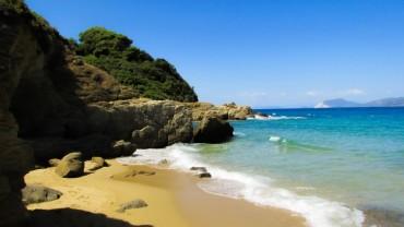 Skiathos: soggiorno mare ed esplorazione dell'isola in libertà mezza pensione