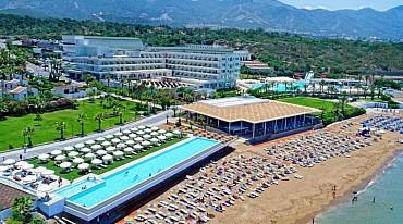 Acapulco Beach Club 5 stelle: prenota oggi la tua estate 2019 a Cipro pensione completa