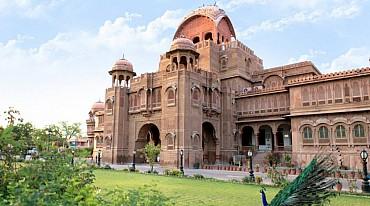 India: Tour Classico di 14 giorni del Rajasthan ed Agra solo colazione