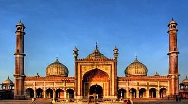 India: tour individuale per scoprire le grandi religioni indiane solo colazione