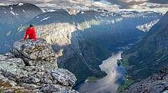 Fly & Drive 10 giorni: Fiordi Maestosi da € 1130,00 a persona