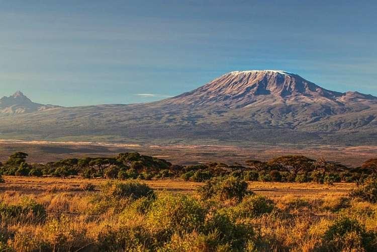 Sulla vetta del Kilimangiaro: trekking in Tanzania da 2.285 euro