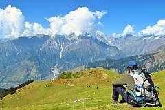 Esperienza sull'Himalaya: 13 giorni di yoga e trekking da 2.560 euro