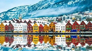 Inverno tra i fiordi norvegesi in treno, battello e shuttle da € 1030